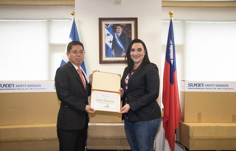 Empresa Sunder Biomedical Tech Co. Ltd. realiza donación de 2,000 unidades de lentes de bioseguridad ante la Embajada de Honduras ante la República de China (Taiwán)