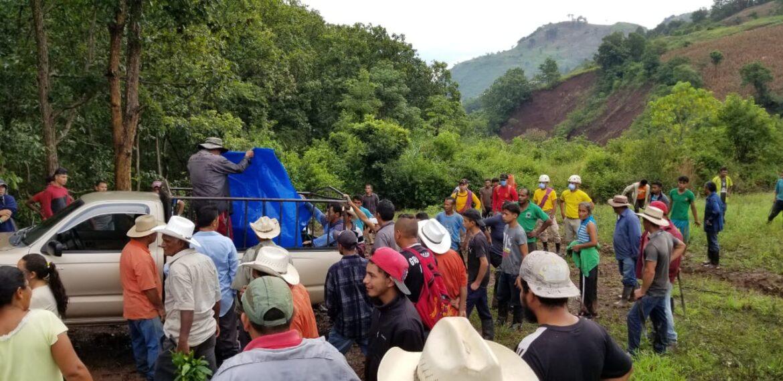 Bomberos de Siguatepeque recuperan cadáver en Agua Dulcita, El Rosario