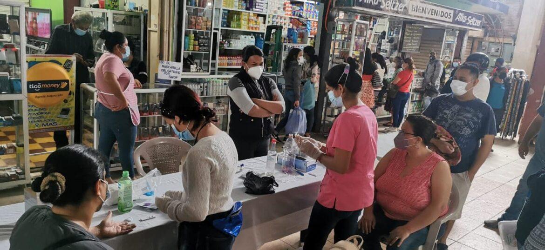 Realizan tamizaje poblacional en Mercado San Juan
