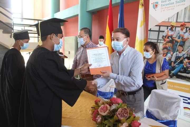 Alcaldía de Comayagua graduó a 57 jóvenes formados en la escuela Taller con todas las medidas de bioseguridad