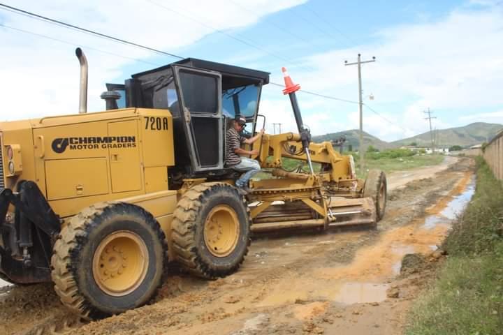 Alcaldía de Comayagua inicia reparación de calles de tierra afectadas por las fuertes lluvias en la ciudad