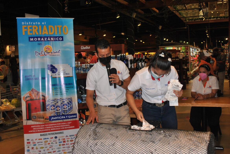 Culmina el sorteo «Feriadito Morazánico» en Supermercado Del Corral