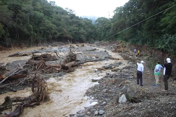 Alcalde Carlos Miranda realizó gira de trabajo para acondicionar albergues y evaluar daños ocasionado por la tormenta IOTA