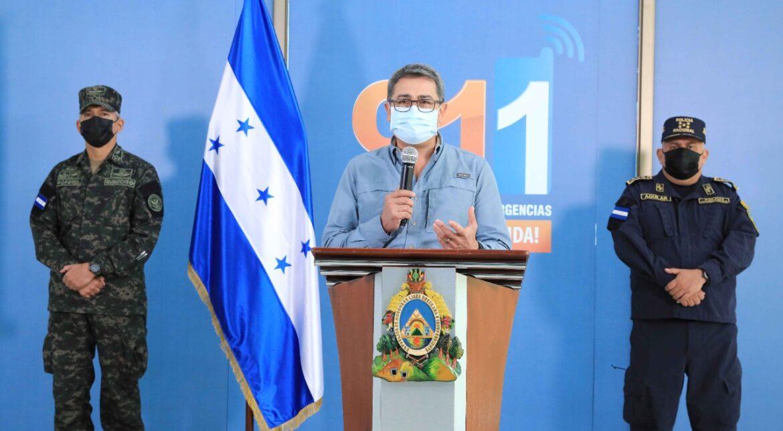Presidente Hernández llama a población de zonas de riesgo a evacuar voluntariamente y advierte que si no lo hace será forzoso