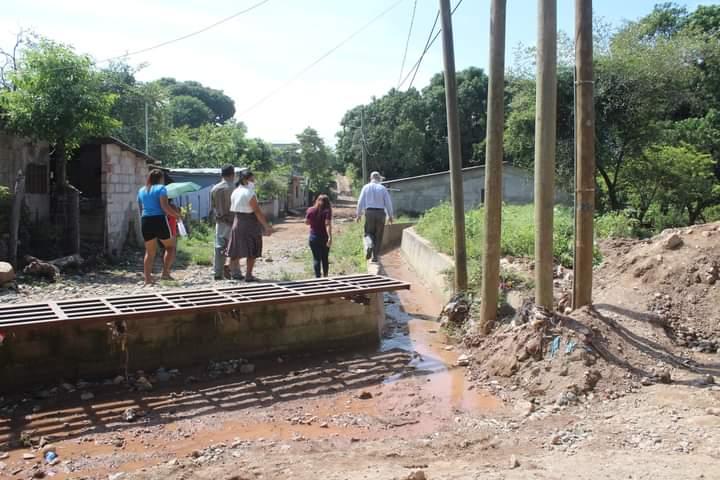 Alcaldía de Comayagua construye caja puente y canalización de aguas lluvias en la colonia Fuerzas Armadas  de esta ciudad