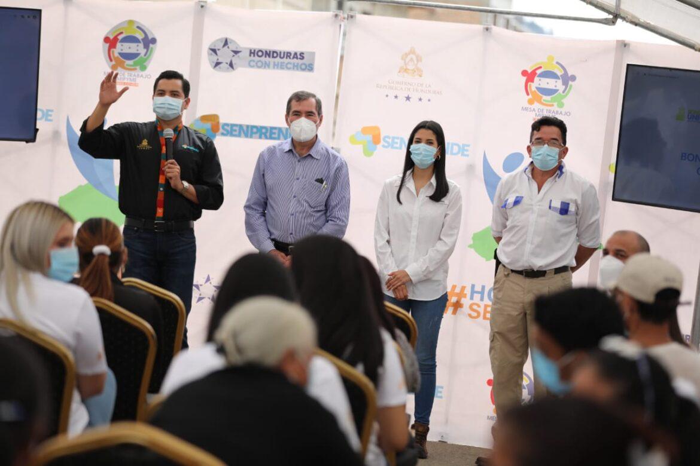 El Gobierno y el PNUD realizan entrega del Bono Único a trabajadores independientes y de cuenta propia en Danlí