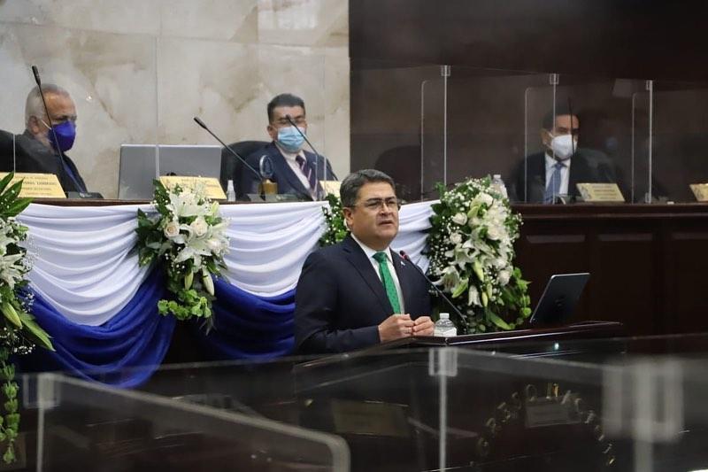 Presidente Hernández presenta informe de logros en apertura de la última legislatura del periodo 2018-2022
