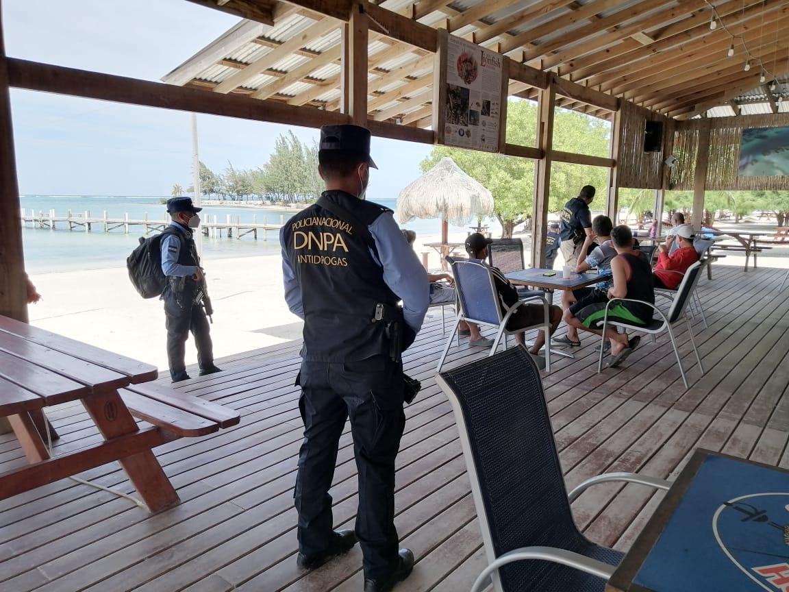 Policía Nacional a través de la Dirección Antidrogas asegura sociedades mercantiles y bienes inmuebles en la zona insular