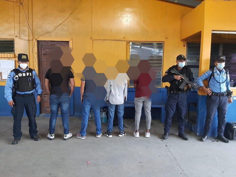En zona fronteriza entre Honduras y Guatemala se recuperan diez menores de edad