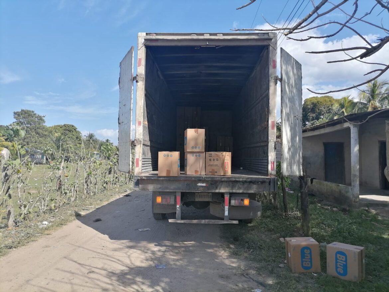Policías preventivos recuperan camión junto a mercadería robada