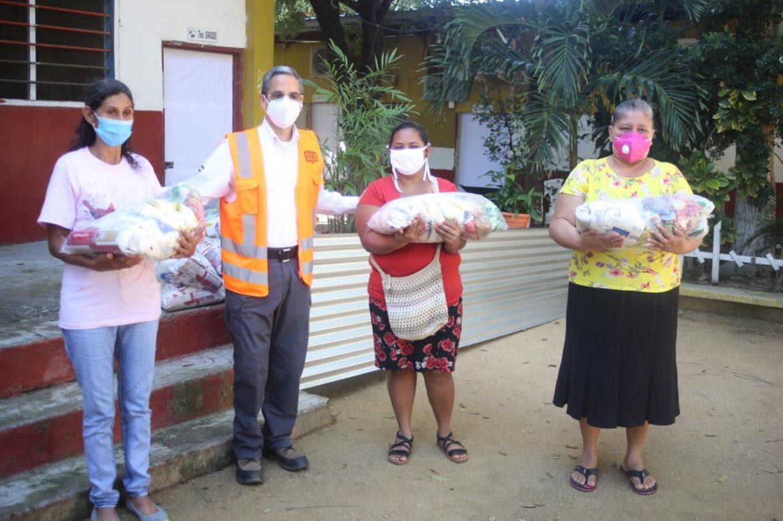 Ayuda humanitaria del Gobierno llega a comunidades rurales de Villanueva y Baracoa, Cortés.