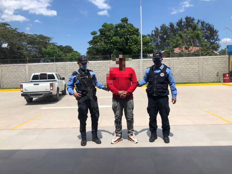 Sujeto es detenido por tener orden de captura pendiente por el delito de robo con Violencia