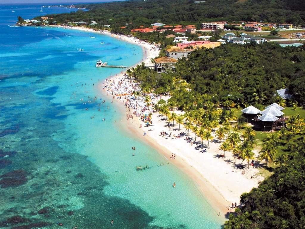 Vacaciones seguras: Industria turística está lista con medidas de bioseguridad que deben respetar los veraneantes
