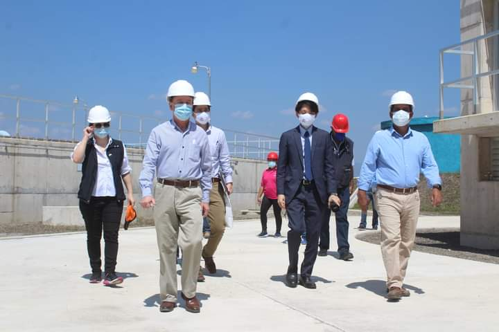 Alcalde Carlos Miranda y delegación japonesa realizan visita técnica a la planta potabilizadora de agua de Comayagua