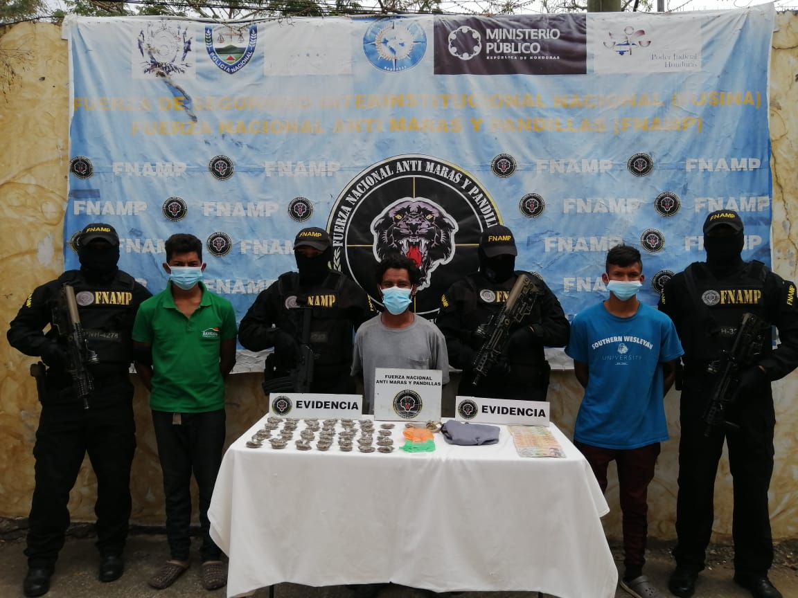 FNAMP detiene a tres miembros de la Organización Criminal Mara Salvatrucha dedicados a la distribución de drogas