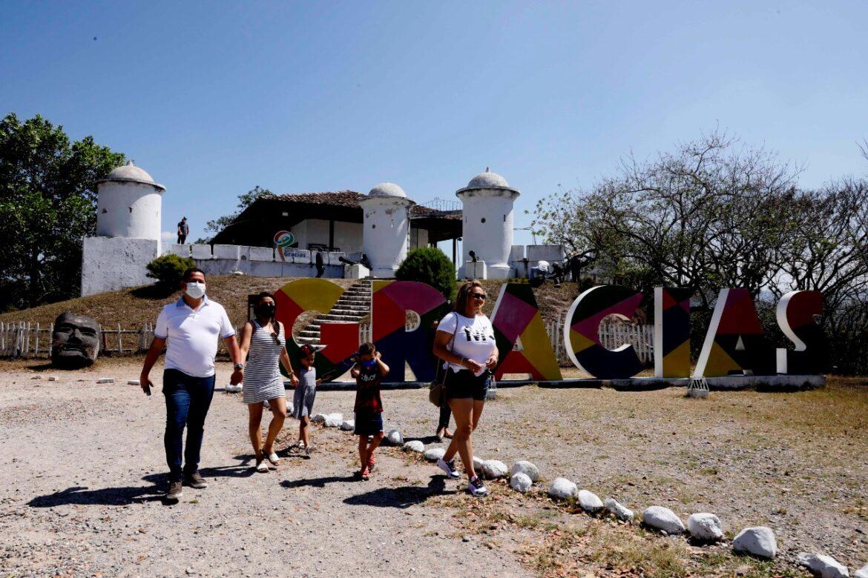 El Fuerte San Cristóbal y las iglesias centenarias, atractivos turísticos imperdibles