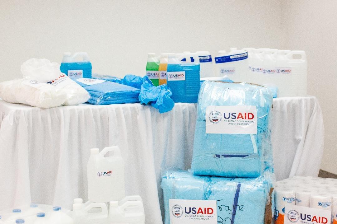 El Gobierno de los Estados Unidos dona equipos de protección personal e insumos de higiene a siete departamentos en Honduras