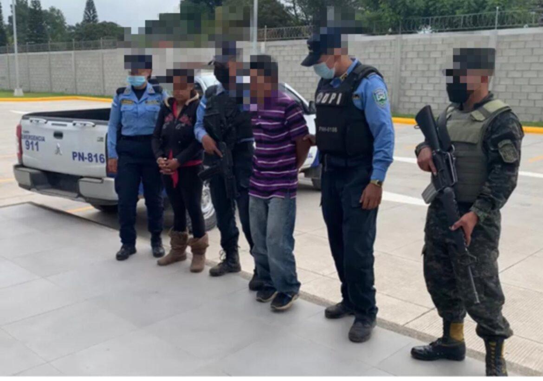 Funcionarios policiales capturaron a dos ciudadanos por tener orden de captura pendiente por el delito de robo con fuerza