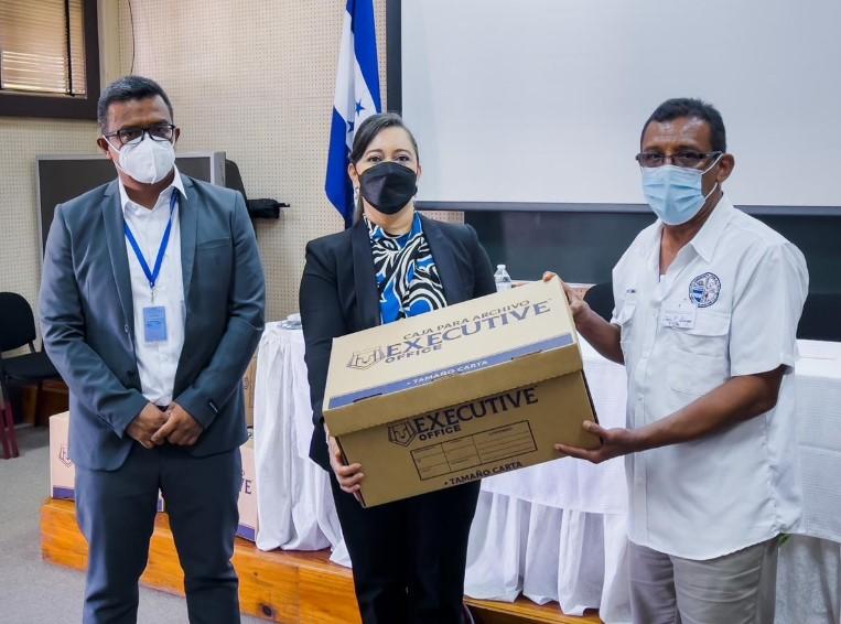 Realizan entrega de kits de robótica a 17 centros educativos