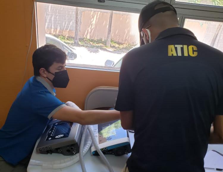 Fiscales anticorrupción y agentes de la ATIC verifican estado de ventiladores mecánicos en hospital de Comayagua y La Paz