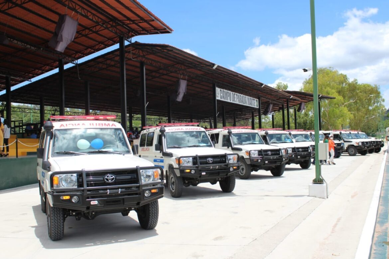 Secretaría de Salud fortalece sus capacidades de respuesta al entregar 25 ambulancias para todas las regiones hospitalarias