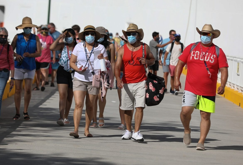 Varios países siguen cerrados Honduras, primer destino en regreso de cruceros postpandemia