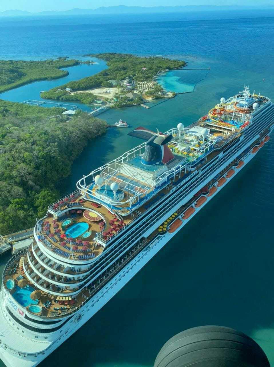 Reactivando la economía: Arriba a Roatán primer crucero con turistas post-Covid-19