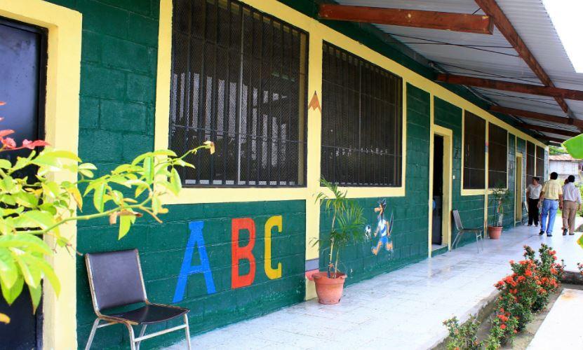 Gobierno anuncia proceso inicial de apertura semi presencial y voluntaria en los centros educativos