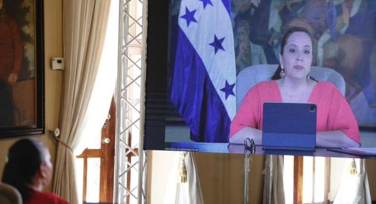 """Primera dama participa en videoconferencia: """"Mujeres: Raíces y Futuro"""" impulsada por ALMA"""