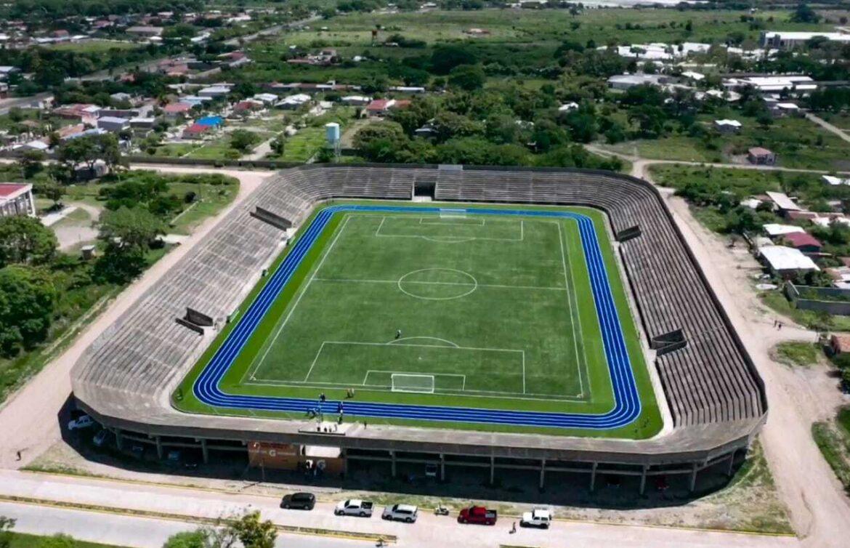 Cumple promesa: Presidente Hernández entrega estadio de alto nivel a paceños