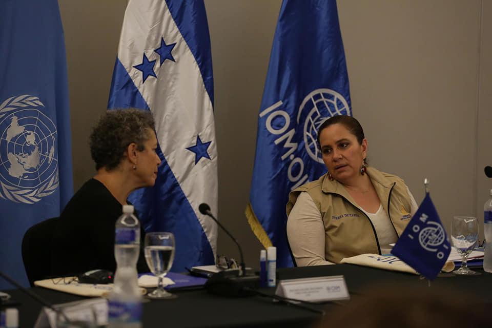 Primera dama sostiene encuentro de diálogo con autoridades de la Organización Internacional para las Migraciones