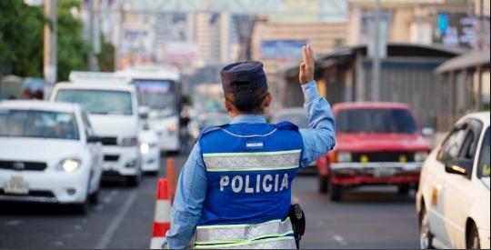Vehículos y motocicletas decomisados por faltas son entregados sin pagar multas