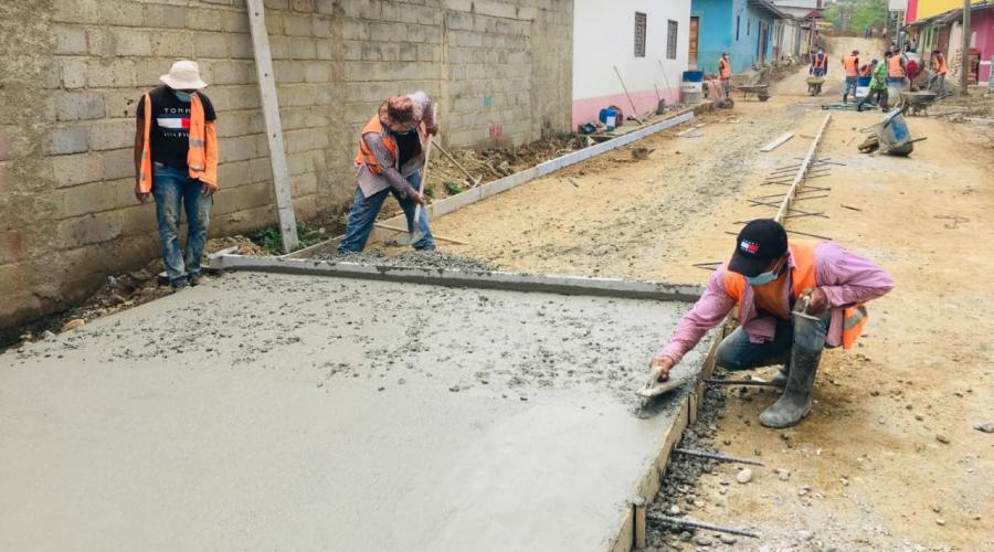 Obras de infraestructura vial del Gobierno llevan esperanza y desarrollo al departamento de El Paraíso