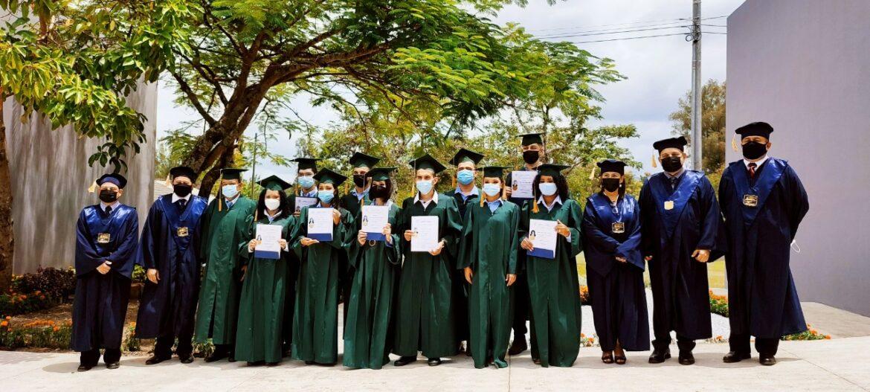 Realizan ceremonia de graduación en UNACIFOR