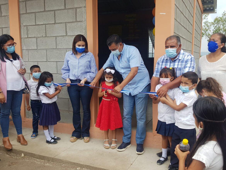 Alcalde de Siguatepeque inaugura módulo escolar en barrio Las Colinas