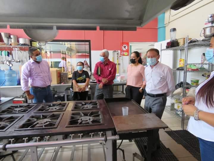 Alcalde Carlos Miranda recibe visita de la alcaldía, red de jóvenes y diputados de la Ceiba, Atlántida