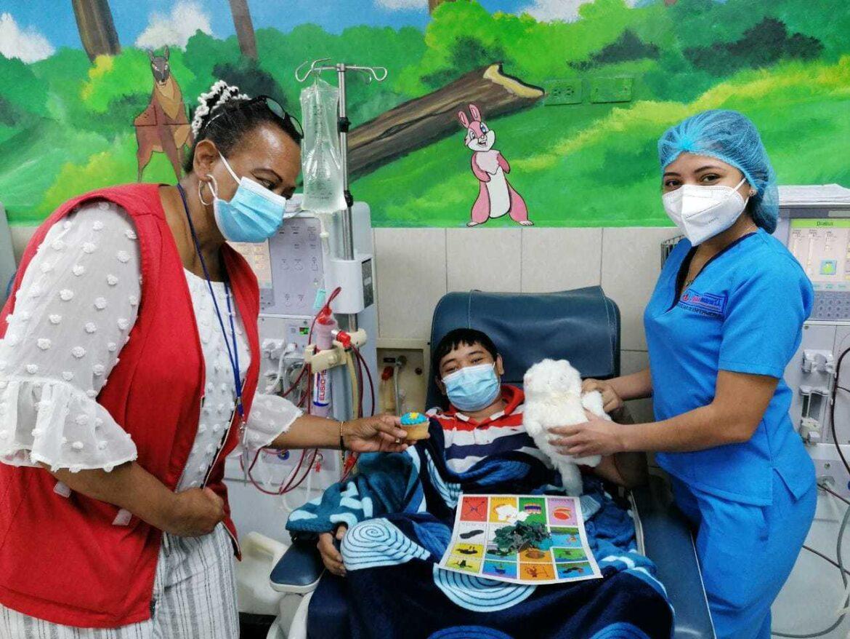 Celebran Dia del Niño en Diálisis de Honduras
