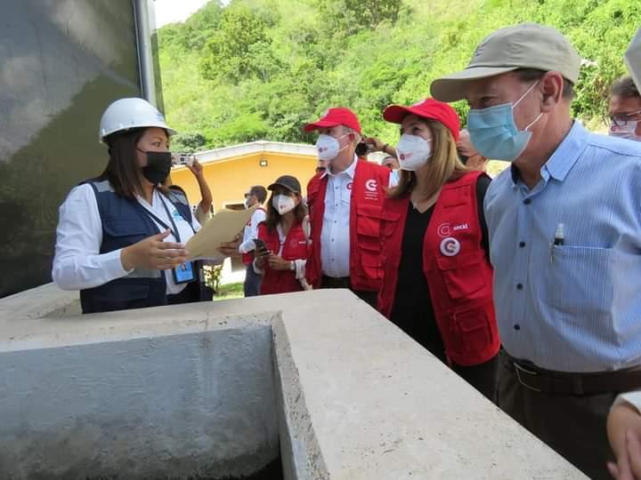 Alcalde Carlos Miranda y autoridades de la Cooperación Española realiza visita técnica al proyecto de agua y saneamiento en el valle de Comayagua