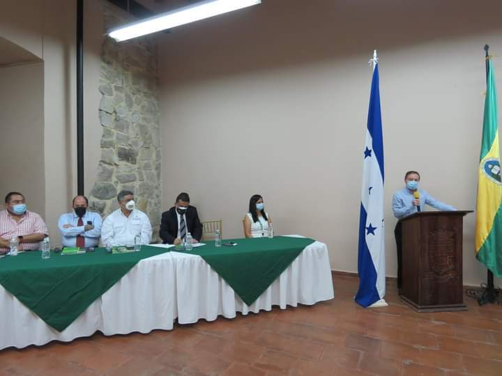 Alcalde Carlos Miranda participa en el lanzamiento de la carrera ingeniería en agroexportación de la UNAG-Comayagua