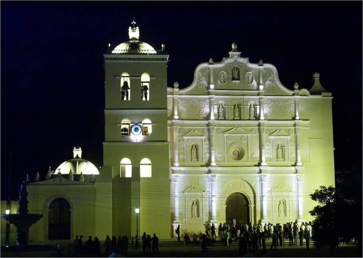 Catedral de Comayagua es elegida como monumento bicentenario de Honduras